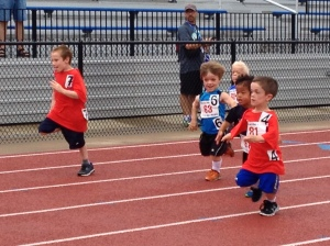 Owen runs a race with friends in the DAAA (Dwarf Athletic Association of America)